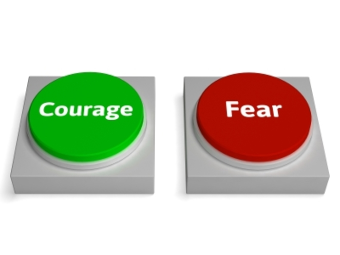 2 buttons, one that says fear and the other, courage