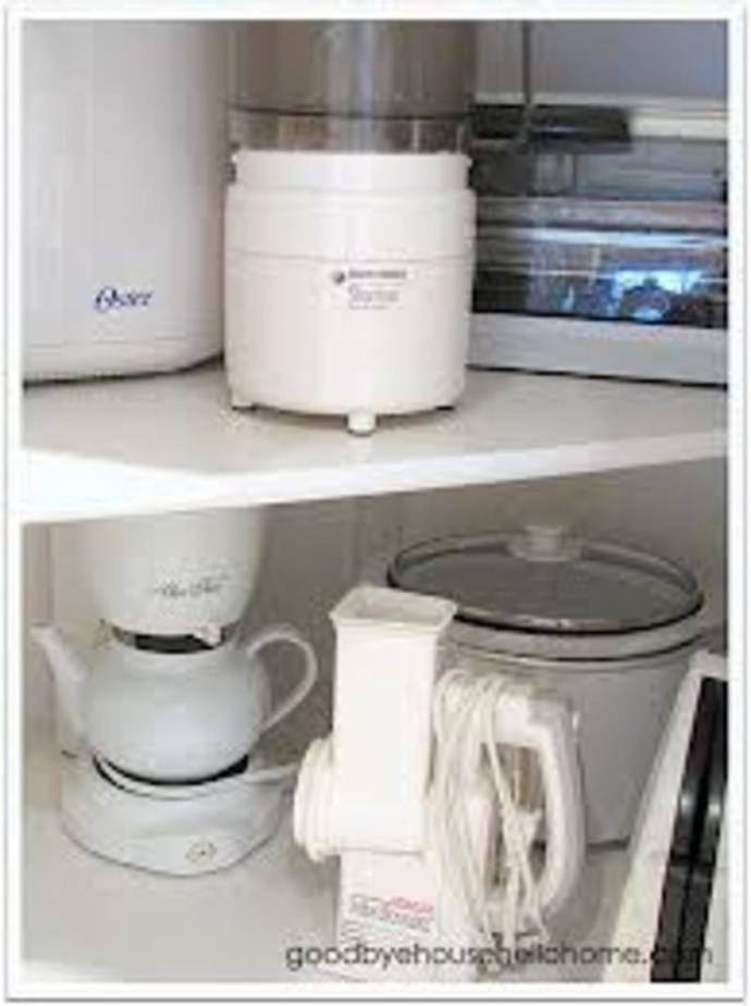 Kitchen, Kitchen appliances, kitchen clutter