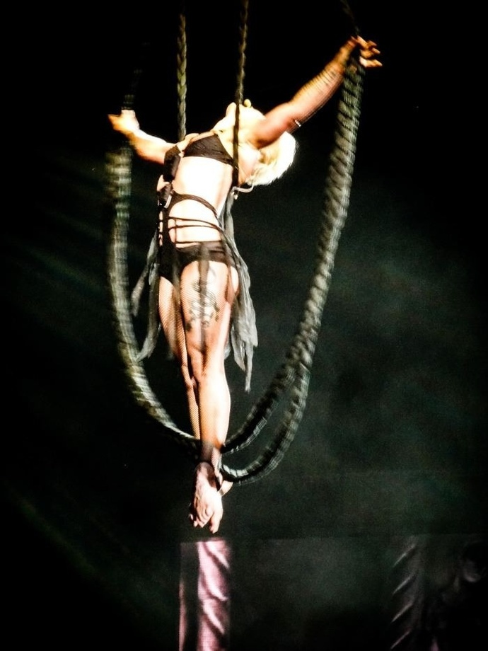 Original image of P!nk from The Truth About Love Tour 2013